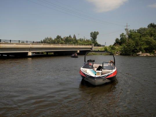 STC 0706 Boaters 4.jpg