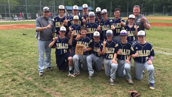 The Valley Springs Middle School baseball team and coaches.