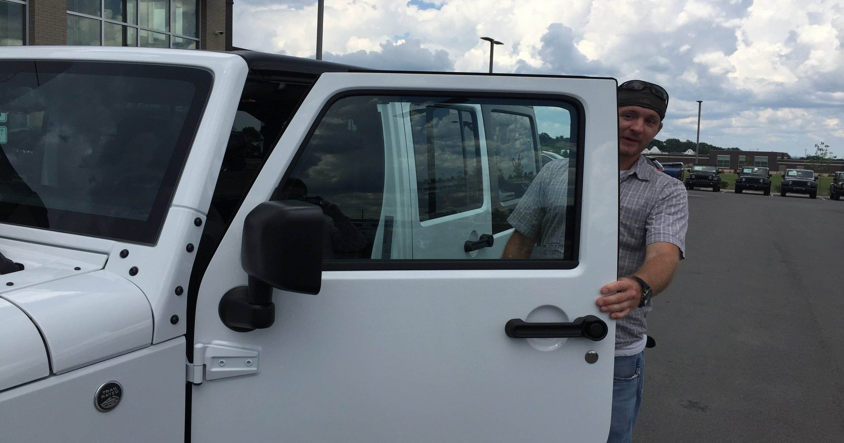 Goodlettsville man wins $60K Jeep Wrangler with second chance