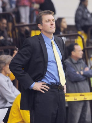 A former standout at Pitman High School and Penn State, Joe Crispin was named the men's basketball coach at Rowan on Monday.