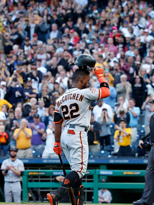 Giants_Pirates_Baseball_96651.jpg