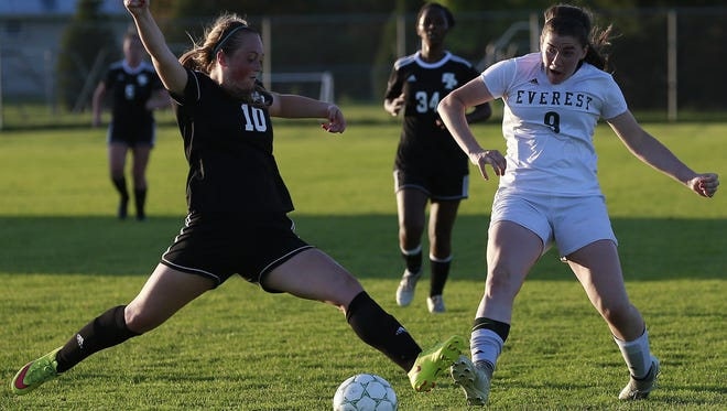 D.C. Everest sophomore Maddie Simpson was named second-team all-state by the Wisconsin Soccer Coaches Association this week along with SPASH junior Abby Gemza. Simpson led the Wisconsin Valley Conference in scoring with 10 goals.