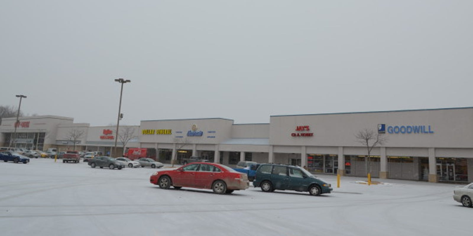 Des Moines Shopping >> Southgate Shopping Center Sold For 9 7 Million