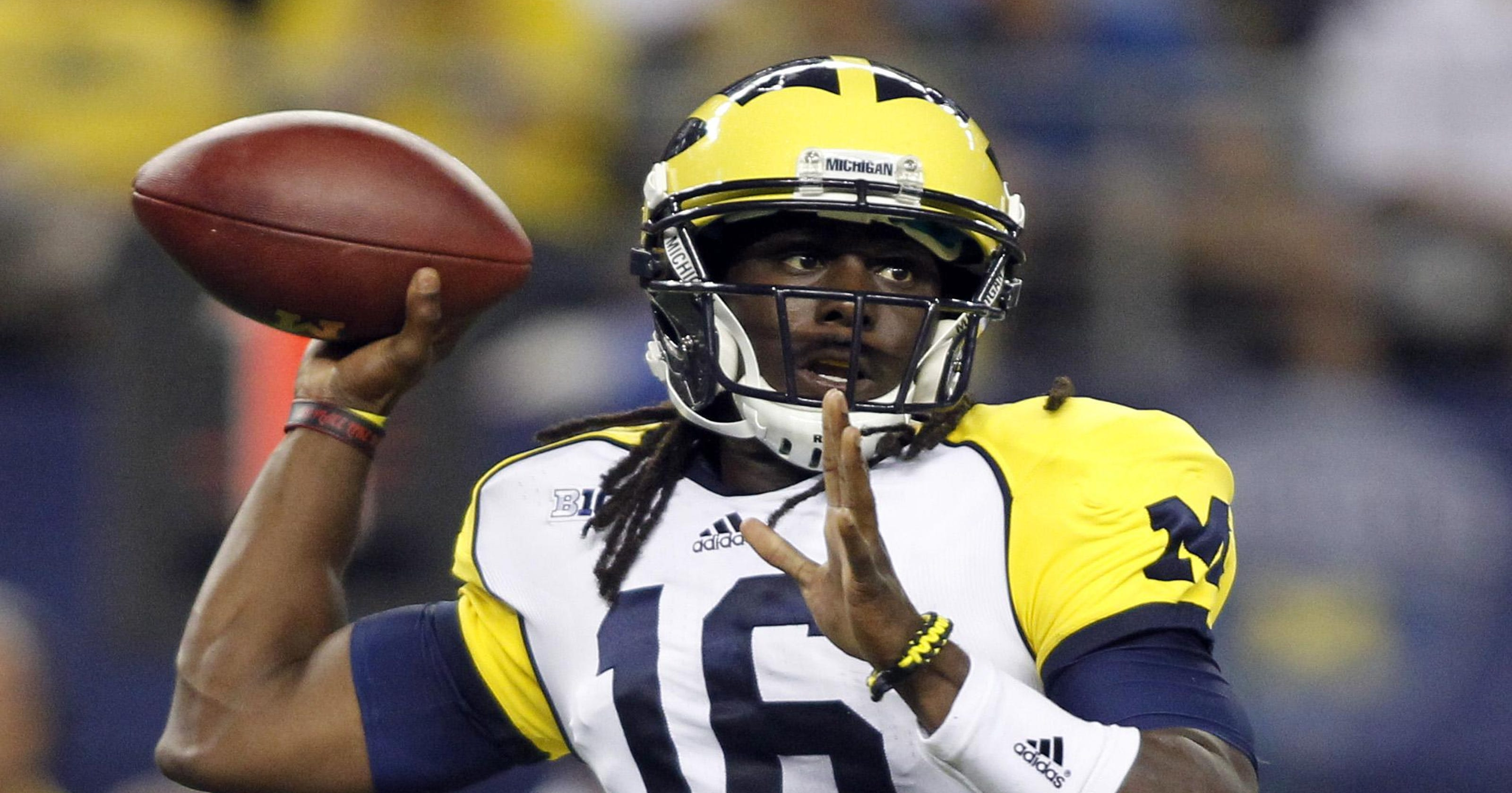 23b03d08d26 Pro football returns Saturday! And Denard Robinson is part of it