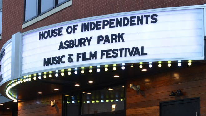 One of the featured attractions at the third annual Asbury Park Music & Film Festival 2017 was Mike + The Mechanics performing at The House Of Independents on Friday night.