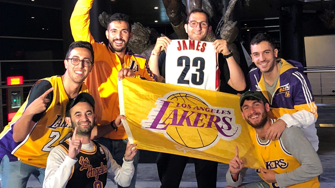 new arrival e6010 9aa10 Lakers fans celebrate Lebron James' move to L.A.