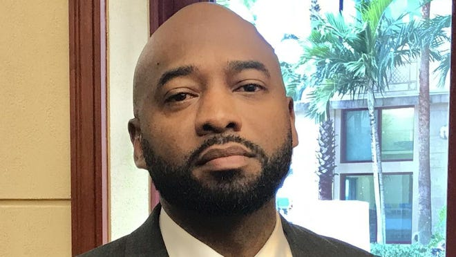 Giovanni Moss, a Tallahassee project manager and former Davie redevelopment director, is offered the top slot at West Palm Beach's Community Redeveloment Agency.