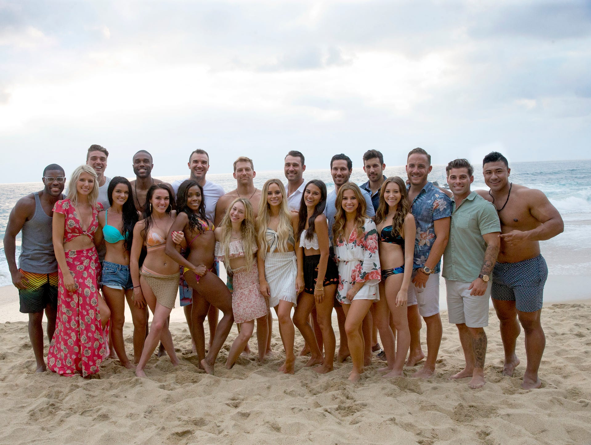 bachelor and bachelorette castoffs will take another - De Bachelor Girls Nick