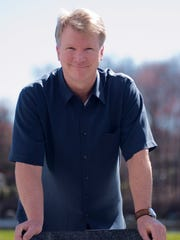 Retired football player Phil Simms.