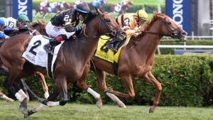 Wise Dan nosed out Optimizer to win the Bernard Baruch at Saratoga.