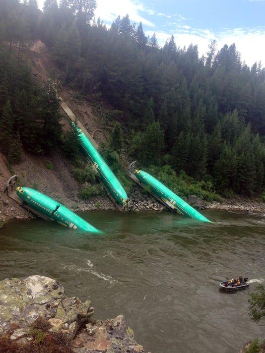 w11-06-Montana Train Derailment-Fuselage.jpg