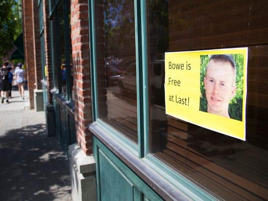 sign_Bowe_Bergdahl