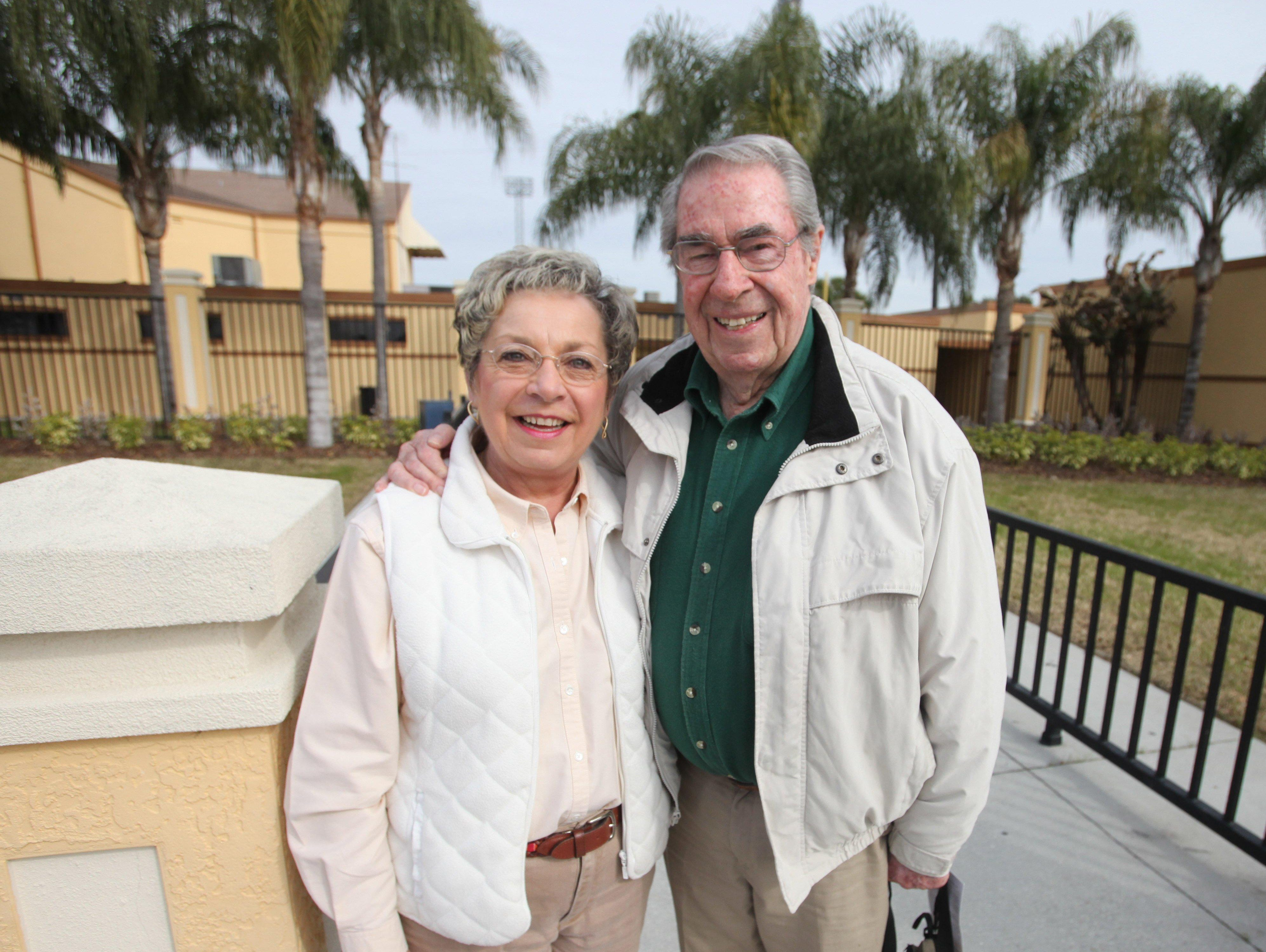 Paul Carey with his wife at Tigers spring training in 2014. The longtime radio announcer of the Detroit Tigers died Tuesday at age 88.