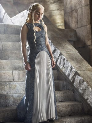 God save the dragon queen, Daenerys (Emilia Clarke).