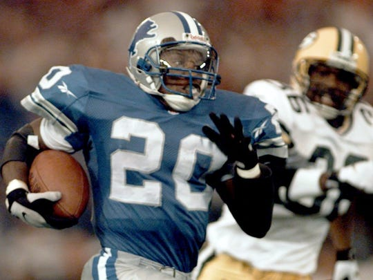 Lions running back Barry Sanders sprints to a 46-yard gain in the second quarter against the Packers at the Silverdome.