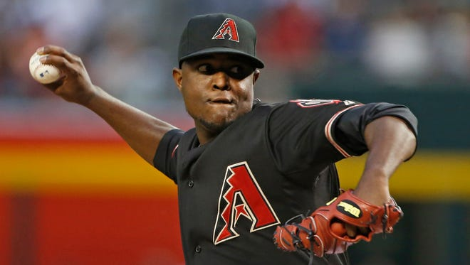 Diamondbacks' Rubby De La Rosa (12) pitches against the Pirates in the seventh inning at Chase Field in Phoenix, AZ on April 24, 2015.