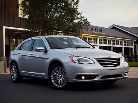 Chrysler-200.jpg