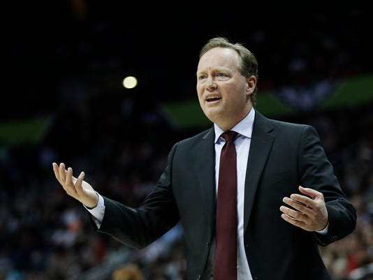 Atlanta Hawks head coach Mike Budenholzer reacts to an official's call in the second quarter of an NBA basketball game against the Golden State Warriors in Atlanta, Monday, March 6, 2017. (AP Photo/David Goldman)