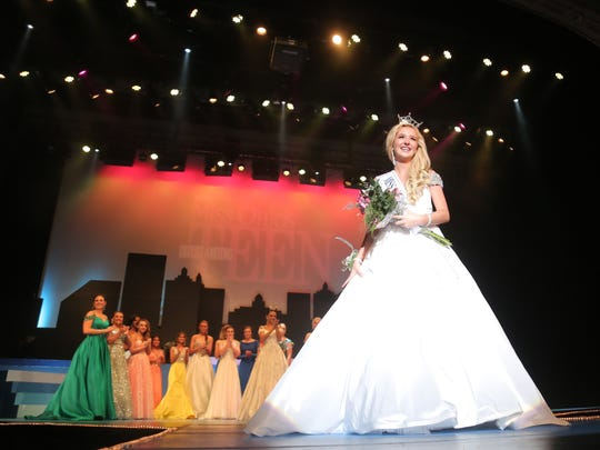 Lexington's Juliana Heichel was crowned as this year's Miss Ohio's Outstanding Teen at the Renaissance Theatre on Wednesday night.
