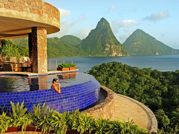 High end caribbean honeymoons a guide to the time of your for Best honeymoon spots in the caribbean