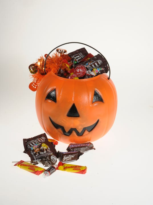 chocolate rules the top 10 list and every brand is made by either hershey or mars halloween candy - Top Ten Halloween Candies