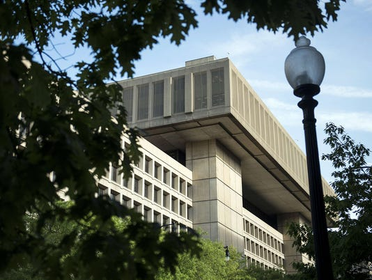 Former FBI technician to plead guilty to classified leaks