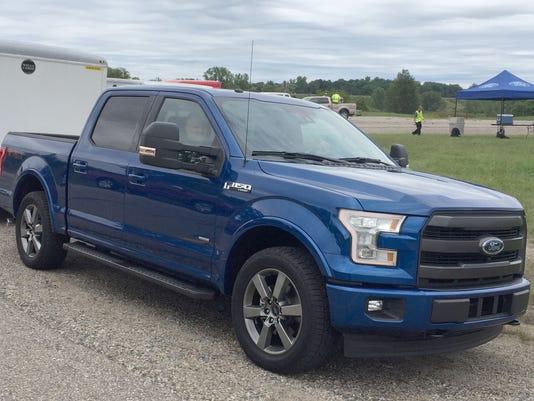 636083384526734938-2017-Ford-F-150-3.JPG