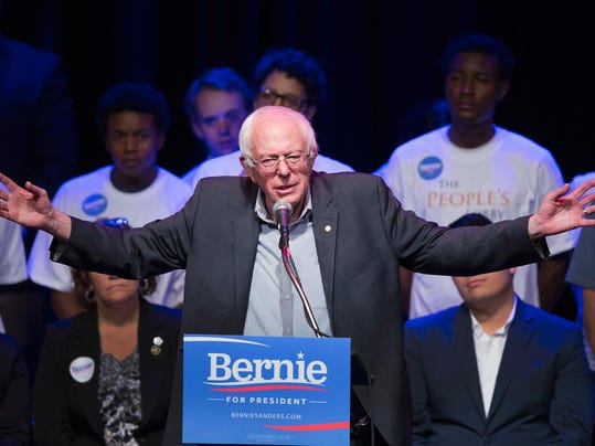 Democratic Presidential Candidate Sen. Bernie Sanders (I-VT) Campaigns In Chicago