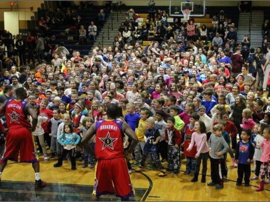 Harlem Wizards Game with Wizards (002)