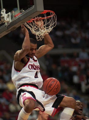 7b9d06be3 Ex-Bearcat Kenyon Martin retiring