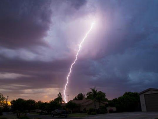 636258512253599807-lightning1.jpg