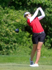 Britta Snyder of Gilbert competes in the state girls