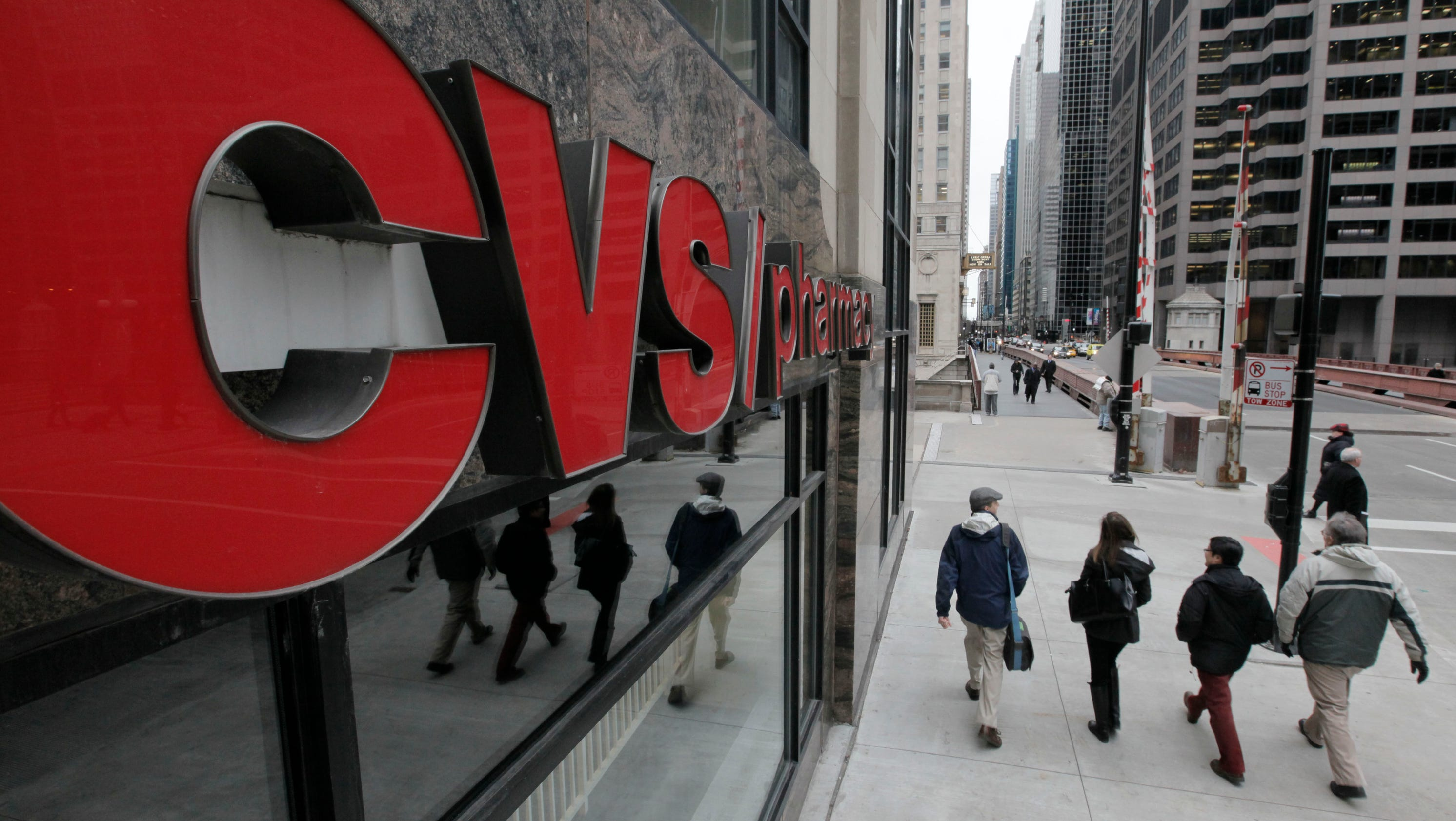 cvs stops selling tobacco  offers quit