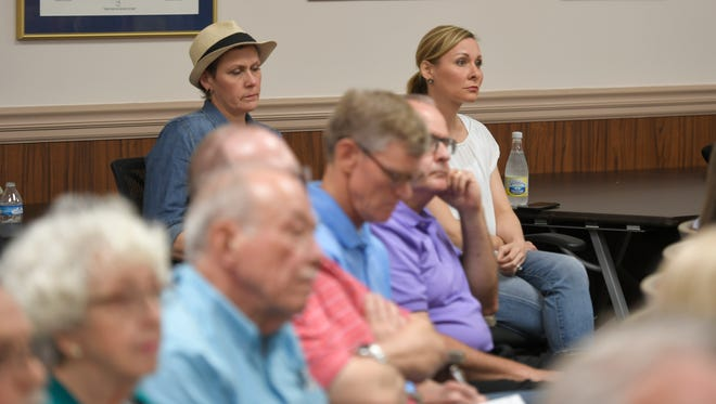 Residents listen to candidates vying for seats on Franklin's Board of Mayor and Alderman talked about growth, development and other issues at a forum Tuesday, Sept. 19, 2017 at city hall.