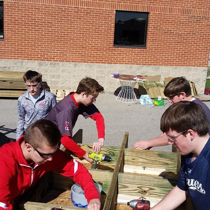 Arrowhead manufacturing students help with Ice Age Trail