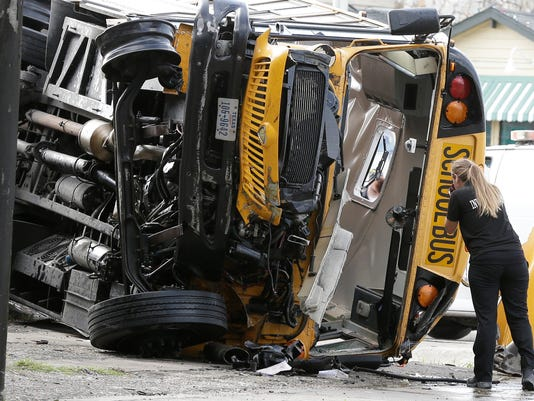 AP HOUSTON SCHOOL BUS WRECK A USA TX