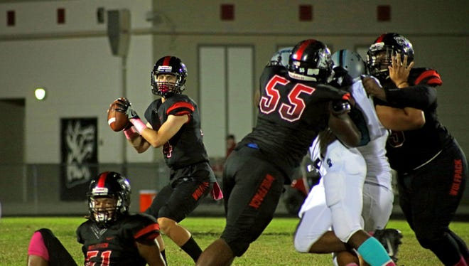 Action from Friday, Oct. 6, 2017 high school football game between South Fort Myers and East Lee.