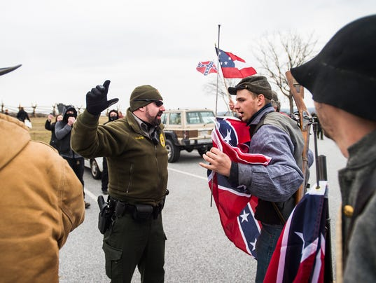 HES-sd-030516-confederate-flag-day-1.jpg