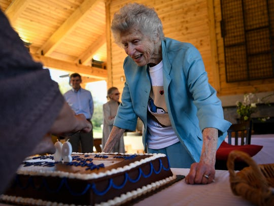 Laura Lea Knox celebrates her 90th birthday at the