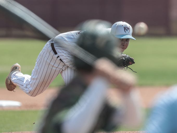 Rancho Mirage's Carlos Franco pitches against Twentynine