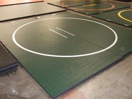 wrestling_mat_1418521397555_11037748_ver1.0_640_480.jpg