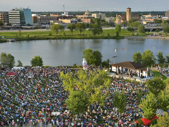 A record-setting crowd of more than 16,000 fills the Lake George area and Eastman Park as the Fabulous Armadillos played in 20014 during the last Summertime by George! concert of the summer.