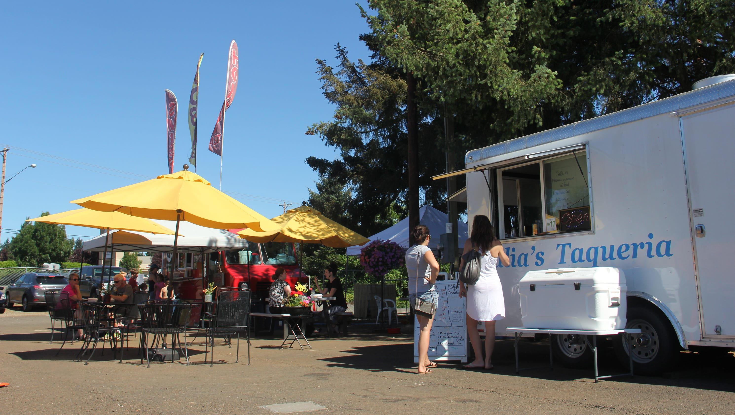 South Salem s colony of food trucks continues to grow