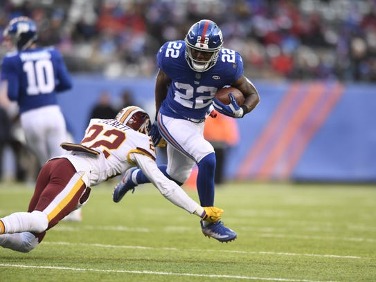 New York Giants running back Wayne Gallman (22) rushing