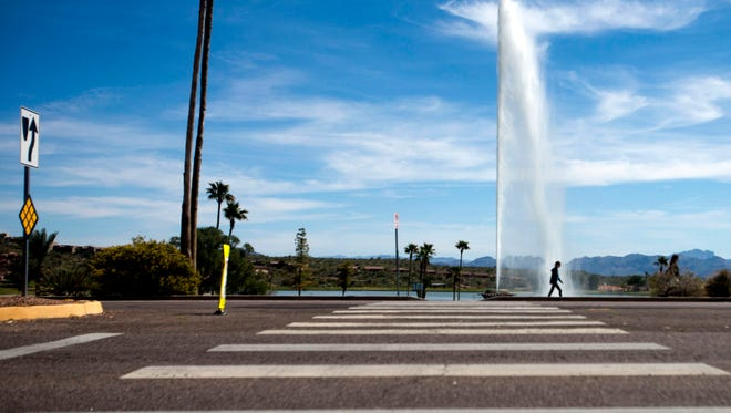 Intersection of Saguaro Boulevard and Avenue of the Fountains