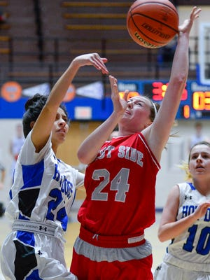 Caroline Sautter scored 15 of her 19 points in the first half of a victory over Lafayette Jeff Tuesday night.