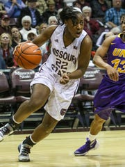 Missouri State Tyonna Snow makes a run for the basket