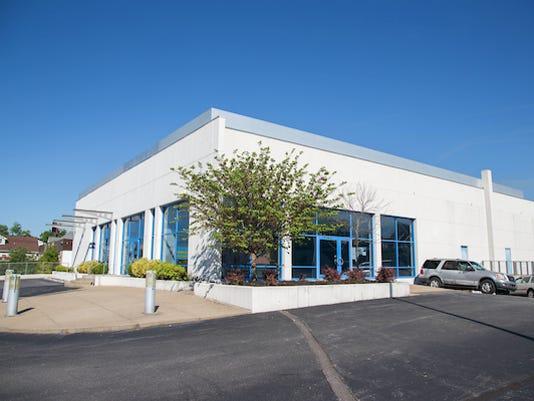 636483354554041610-exec-ed-building.jpg