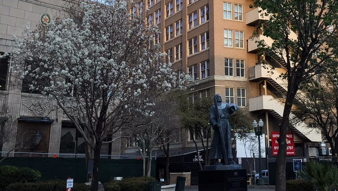 If you love history and art, stop by the statue of Fray García de San Francisco in Downtown. It's across the street from the Plaza Theatre and is part of the Twelve Travelers Memorial of the Southwest. So far, three of the 12 have been completed.