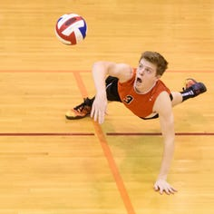 District volleyball: Central rides a 'good bad day' into semifinals